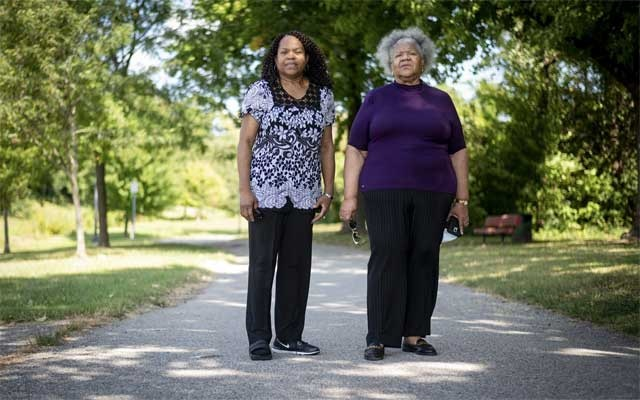 laine Franklin, left, and Edna McCloud, who are sisters and both battled Covid-19 this year, in St Louis County, Mo, Sept 24, 2020. People with extra weight may struggle to mount a robust immune response to the coronavirus — and may respond poorly to a vaccine. (Michael B. Thomas/The New York Times