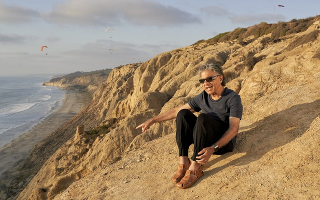 "Deepak Chopra, longtime wellness and meditation celebrity, at Black's Beach in La Jolla, Calif, Sept 25, 2020. Chopra defines a disagreement as ""a clash of egos."" The point cannot be to win it or change another's opinion, he says, ""otherwise, they devolve into stubborn, angry arguments."" (Philip Cheung/The New York Times)"