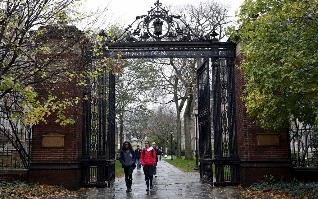 us-sues-yale-for-alleged-bias-against-asian-and-white-applicants