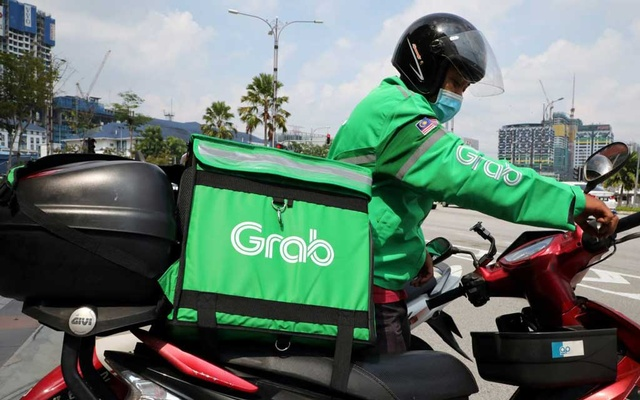 The coronavirus pandemic has made food delivery more important than ever to Southeast Asian ride-hailing companies like Grab. © Reuters