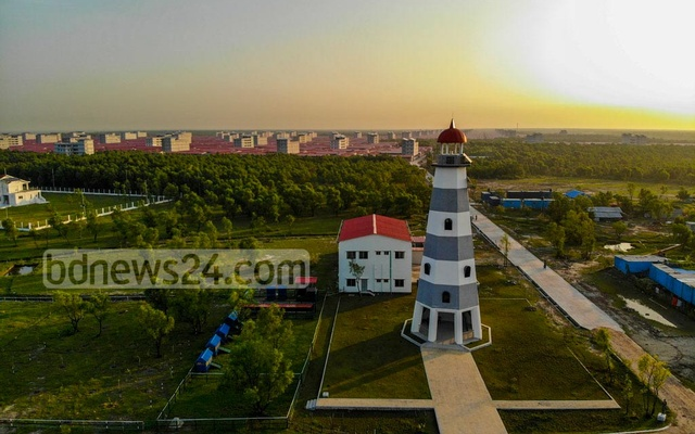 A 91-feet high lighthouse has also been constructed on the island, which is capable of providing navigational assistance to vessels that are up to 14 nautical miles away.