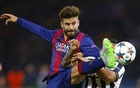 Football - FC Barcelona v Juventus - UEFA Champions League Final - Olympiastadion, Berlin, Germany - 6/6/15 Barcelona's Gerard Pique in action Juventus' Carlos Tevez Reuters / Darren Staples