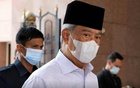 Malaysia's Prime Minister Muhyiddin Yassin wearing a protective mask arrives at a mosque for prayers, amid the coronavirus disease (COVID-19) outbreak in Putrajaya, Malaysia Aug 28, 2020. REUTERS