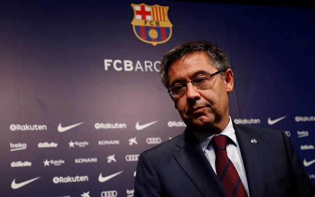 Barcelona President Josep Maria Bartomeu attends a news conference at Camp Nou stadium in Barcelona, Spain October 2, 2017. Reuters