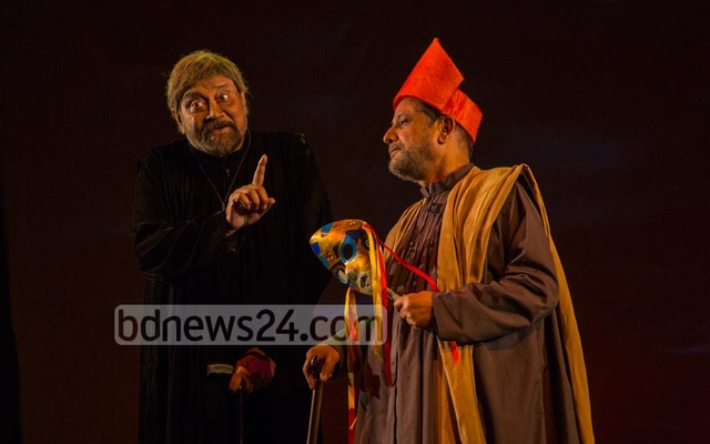 After 20 long years, the play 'Galileo', which captivated theatre audiences, returned to the stage on October 14, 2018. Iconic actors Aly Zaker and Asaduzzaman Noor share the stage at the Experimental Theater Hall of the Shilpakala Academy, Dhaka. Photo: Mostafizur Rahman