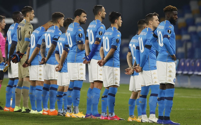 Football - Europa League - Group F - Napoli v HNK Rijeka - Stadio San Paolo, Naples, Italy - November 26, 2020 General view as Napoli players line up wearing shirts with Diego Maradona's name on the back before the match. Reuters