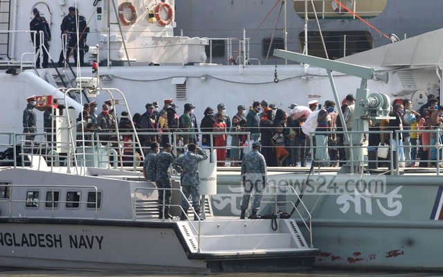 Rohingya refugees boarded navy and army vessels at Jetty No 15 in Chattogram ahead of the move to Bhasan Char island in Noakhali on Friday, Dec 04, 2020.