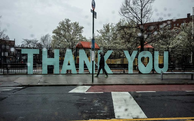 A sign of gratitude appeared outside the hospital as it was going through some of its darkest days.