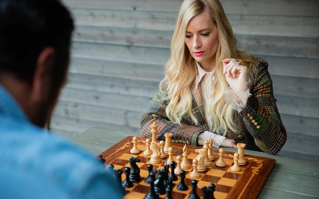 The actress Beth Behrs, who has been obsessed with chess since watching