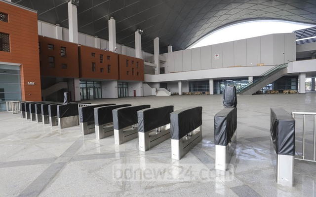 Visitors will have to use digital cards to enter the Bangladesh-China Friendship Exhibition Centre. Photo: Asif Mahmud Ove
