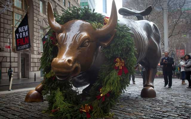 The Wall Street bull statue is pictured in the Manhattan Borough of New York, December 23, 2014. REUTERS