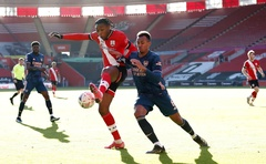 Football- FA Cup - Fourth Round - Southampton v Arsenal - St Mary's Stadium, Southampton, Britain - January 23, 2021 Southampton's Daniel N'Lundulu in action with Arsenal's Gabriel Magalhaes. Action Images via Reuters