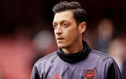 Arsenal's Mesut Ozil during the warm up before the match. Reuters/John Sibley