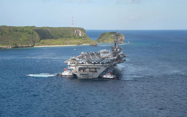 U.S. warships conduct exercises in South China Sea