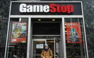 A GameStop is pictured amid the coronavirus disease (COVID-19) pandemic in the Manhattan borough of New York City, New York, US, January 27, 2021. REUTERS/Carlo Allegri