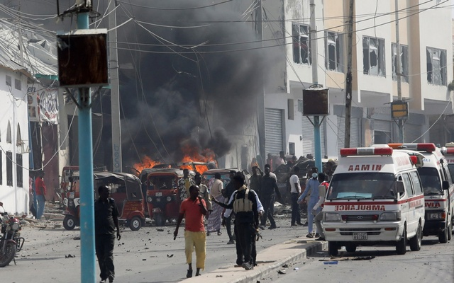 Somali security officers secure the scene of an explosion in Mogadishu, Somalia Feb 13, 2021. REUTERS