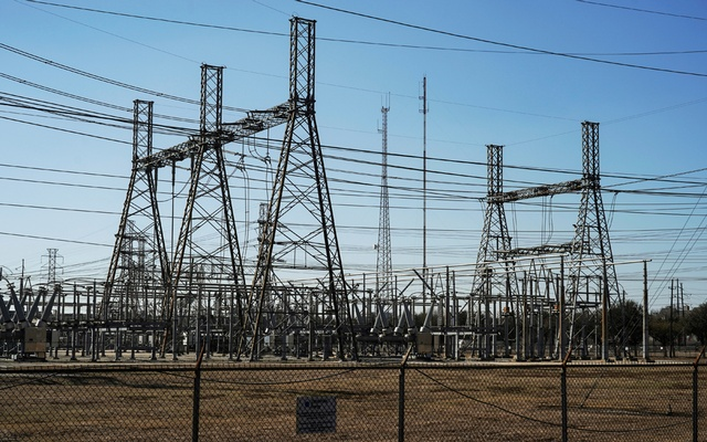 An electrical substation is seen after winter weather caused electricity blackouts in Houston, Texas, US February 20, 2021. REUTERS