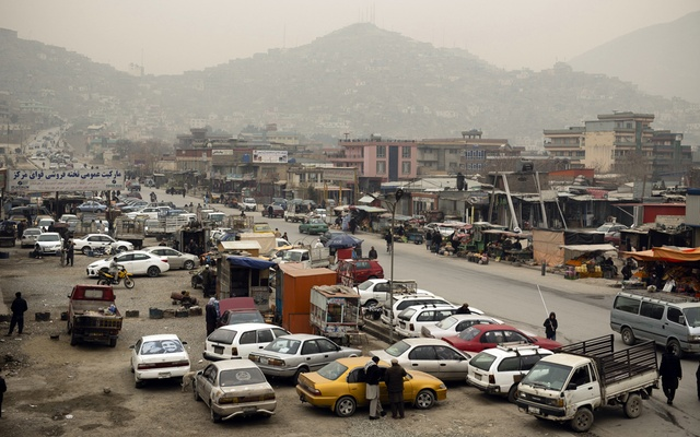 The morning rush hour in the Karte Sakhi neighborhood of Kabul on Saturday, Feb 20, 2021. A half-million doses of the coronavirus vaccine arrived this month in Afghanistan, where many insist the virus isn't real and vaccines aren't needed. (Kiana Hayeri/The New York Times)