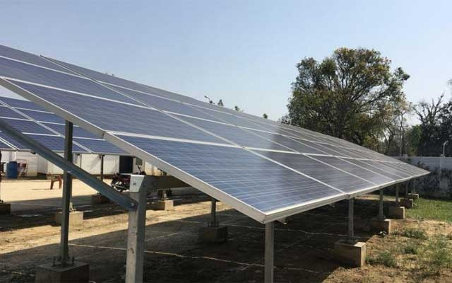 Privately operated solar mini grids with a capacity of 10 to 500 kilowatts are helping electrify villages such as Atrauli in Uttar Pradesh, Mar 16, 2017. Thomson Reuters Foundation/Rina Chandran/FILE