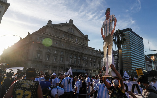 Fans of late Argentine football legend Diego Armando Maradona protest to demand justice after the death of the idol, at the Buenos Aires' Obelisk, Argentina Mar 10, 2021. REUTERS