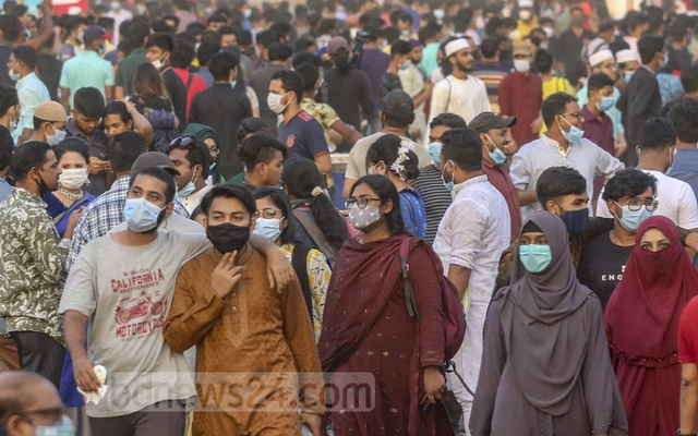 The number of people infected with coronavirus is increasing day by day, including the crowd that overflows at the book fair on Friday.