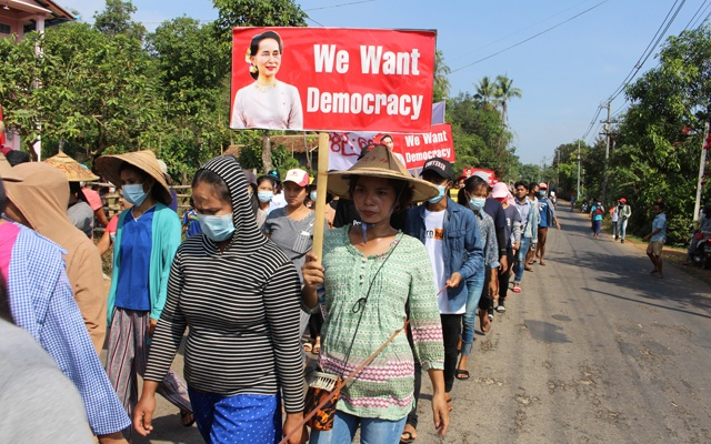 Villagers attend a protest against the military coup, in Launglon township, Myanmar April 4, 2021 in this picture obtained from social media. Dawei Watch via REUTERS