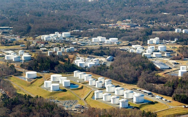 FILE PHOTO: Holding tanks are seen at Colonial Pipeline's Charlotte Tank Farm in Charlotte, North Carolina, US in an undated photograph. Colonial Pipeline/Handout via REUTERS.