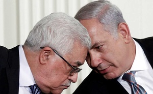 Israeli Prime Minister Benjamin Netanyahu (R) and Palestinian President Mahmoud Abbas speak during an event about the Middle East peace talks in the East Room at the White House in Washington September 1, 2010. Reuters