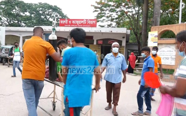 The authorities have tightened lockdown restrictions in Rajshahi to tackle an upturn in COVID-19 cases in parts of northern Bangladesh amid the pandemic.