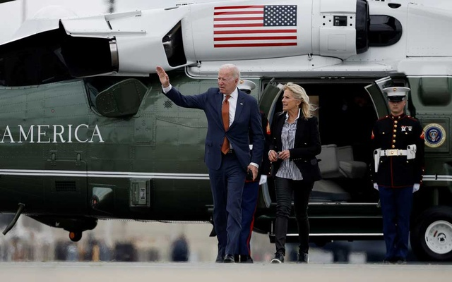US President Joe Biden and first lady Jill Biden walk from Marine One to board Air Force One for return travel to Washington, DC at Dover Air Force Base in Dover, Delaware, US, June 4, 2021. REUTERS