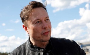 SpaceX founder and Tesla CEO Elon Musk looks on as he visits the construction site of Tesla's gigafactory in Gruenheide, near Berlin, Germany, May 17, 2021. REUTERS
