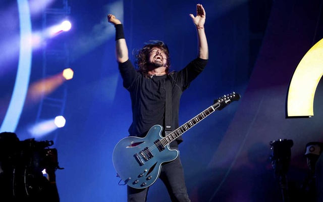 FILE -- Dave Grohl of the Foo Fighters performs during the Global Citizen Festival in Central Park in New York, Sept 29, 2012. Foo Fighters have announced a June 20, 2021, show at Madison Square Garden that will be the first full-capacity arena concert in New York City since the pandemic shut down live events in 2020 — but only for fans who are fully vaccinated. (Julie Glassberg/The New York Times)