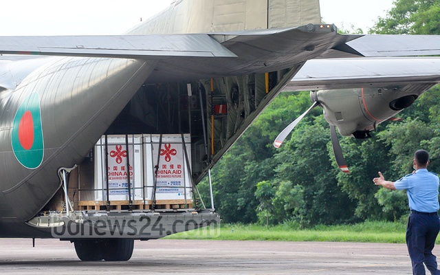 Boxes containing Sinopharm COVID-19 doses await transportation to a cold storage at Air Force Base Bangabandhu in Dhaka after the arrival of the vaccine from China as a gift on Sunday, Jun 13, 2021. File Photo: Asif Mahmud Ove