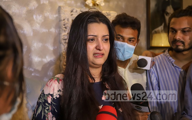 Film actress Pori Moni alleged at a media briefing at her Gulshan home on Sunday night, Jun 13, 2021 that a businessman tried to rape and murder her. Photo: Asif Mahmud Ove