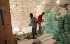 Workers prepare foodstuff for beneficiaries at a food distribution centre supported by the World Food Programme in Sanaa, Yemen June 3, 2020. REUTERS/Khaled Abdullah