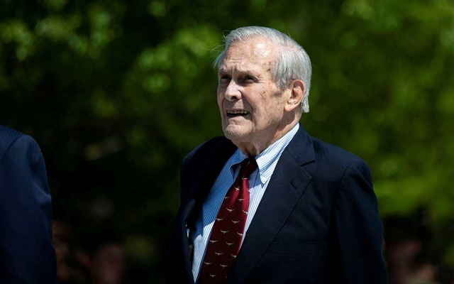 Former US Defence Secretary Donald Rumsfeld looks on after former US President George W Bush placed a wreath during the 18th anniversary of September 11 attacks at the Pentagon in Arlington, Virginia, US, September 11, 2019. REUTERS