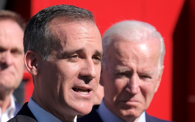 Democratic 2020 US presidential candidate Joe Biden and Los Angeles Mayor Eric Garcetti visit the United Firefighters of Los Angeles City headquarters in Los Angeles, California, US, January 10, 2020. REUTERS