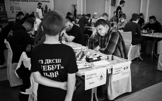 Nazar Firman plays chess at the Ukrainian team championship in Lyiv, Ukraine, May 12, 2021. The New York Times