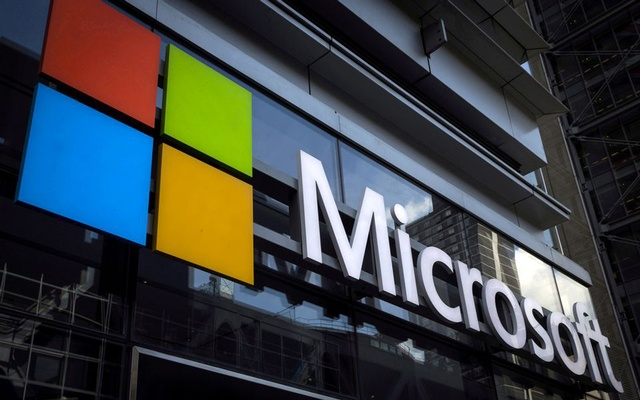 A Microsoft logo is seen on an office building in New York City on July 28, 2015.REUTERS