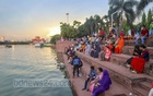 People were mostly roaming around without any masks while visiting Hatirjheel amid the pandemic on Thursday, Jul 22, 2021, the day after Eid-ul-Azha. Photo: Asif Mahmud Ove