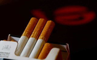 An illustration picture shows a pack of Marlboro cigarettes in a coffee house in Vienna, Austria, May 12, 2017. REUTERS/Leonhard Foeger