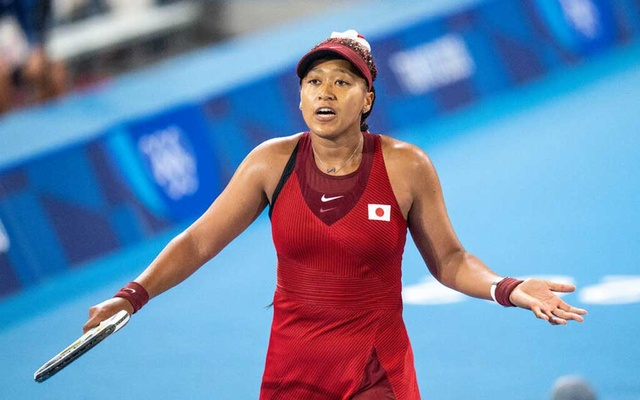 Naomi Osaka of Japan during her defeat by Marketa Vondrousova of the Czech Republic in Tokyo on Tuesday.Credit...Doug Mills/The New York Times