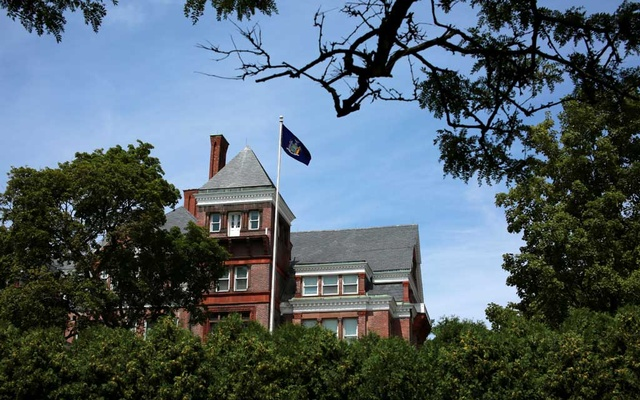 The New York State Executive Mansion, the state governor's residence, is seen after an independent inquiry showed that New York Governor Andrew Cuomo sexually harassed multiple women and violated federal and state laws, in Albany, New York, US, August 3, 2021. REUTERS