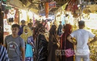 Customers thronged Gausia Market in Dhaka but breached coronavirus health rules on Wednesday, Aug 11, 2021, the first day of the reopening after a lockdown. Photo: Mahmud Zaman Ovi