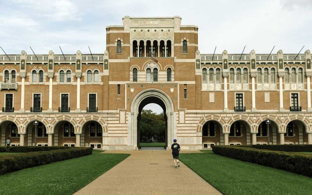 The campus of Rice University in Houston on Mar 15, 2020. As the coronavirus surges in Houston, Rice became the second university in the state to shift classes online. William Widmer/The New York Times