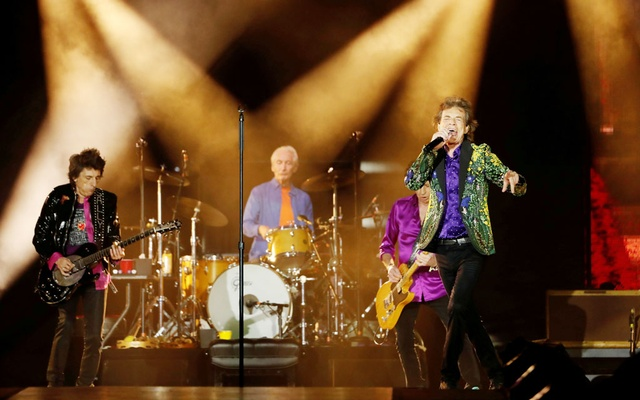 FILE PHOTO: Mick Jagger, Keith Richards, Charlie Watts and Ronnie Wood of The Rolling Stones perform during their No Filter US Tour at Rose Bowl Stadium in Pasadena, California, US, August 22, 2019. REUTERS/Mario Anzuoni/File Photo