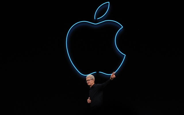 FILE — Apple CEO Tim Cook on stage in San Jose, Calif, June 3, 2019. Apple said Thursday, Aug 26, 2021, that it had reached a legal settlement with app developers who accused it of abusing its control of the mobile-app market. (Jim Wilson/The New York Times)