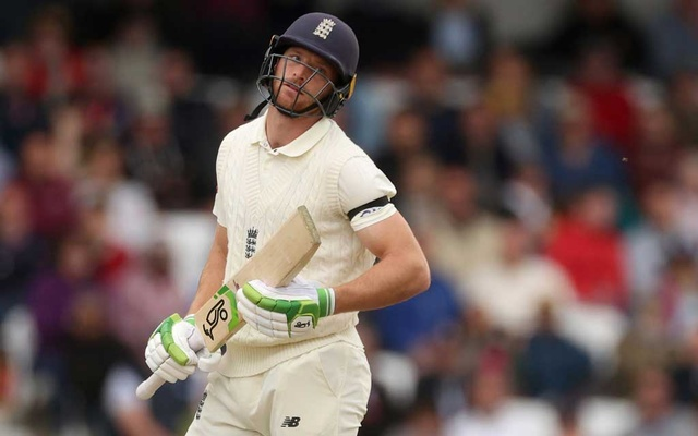 Cricket - Third Test - England v India - Headingley, Leeds, Britain - August 26, 2021 England's Jos Buttler looks dejected after losing a wicket Action Images via Reuters/Lee Smith