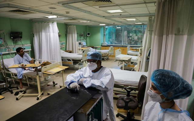 Healthcare workers are seen inside a ward for the coronavirus disease (COVID-19) patients at Sir Ganga Ram Hospital in New Delhi, September 3, 2021. Reuters