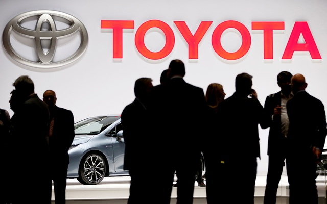 FILE PHOTO: A Toyota logo is displayed at the 89th Geneva International Motor Show in Geneva, Switzerland March 5, 2019. REUTERS/Pierre Albouy/File Photo